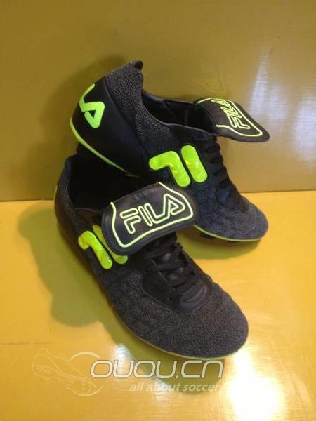 菲乐运动鞋系鞋带的24方法图解