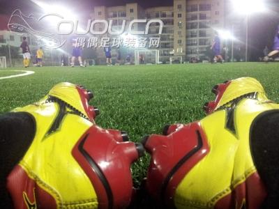 adidas推出最新11pro系列足球鞋