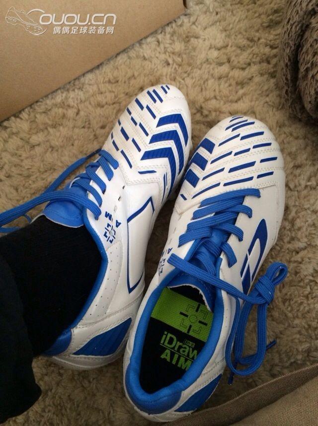 对于收紧鞋面没有任何影响,应该不存在某唐老师所说的过于倾斜的鞋带