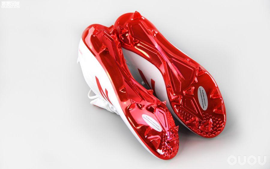 小众派的选择 New Balance Furon 4.0 Pro足球鞋赏析