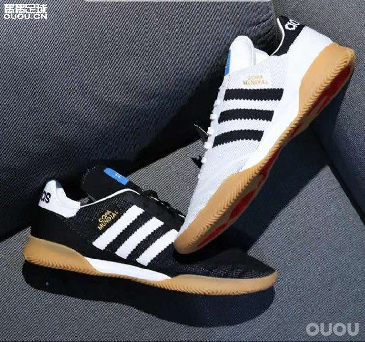 要买一双出街穿,还能在小区踢踢球的平底儿足球鞋。小区能踢球的都是水泥地。