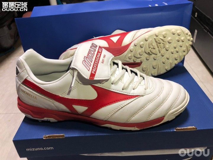 在韩入的 印尼产莫雷拉TF测评优1 鞋头防开胶设计优2 宽脚者的福音优3 包裹也all right