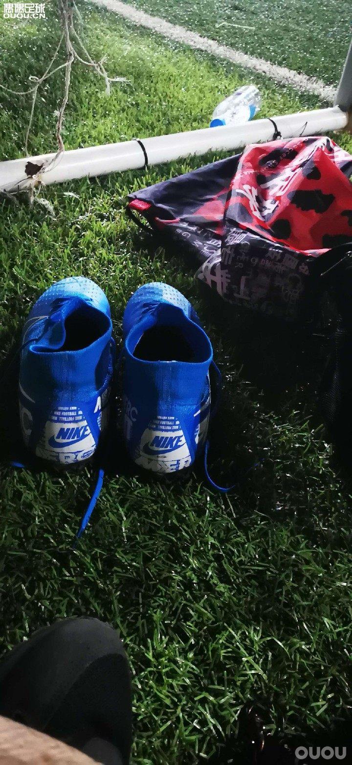 好鞋,实战五场了越来越带劲。