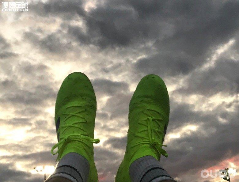 (纯个人感受)浅谈入坑后的四双球鞋。传奇、毒液、猎鹰、Nemeziz