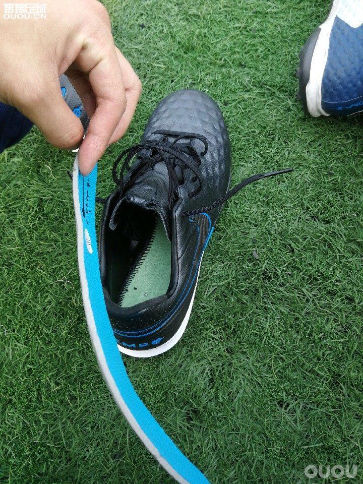 Nike timpo传奇8 tf Pro tf浅测(图在下面)第一感受摸着皮质很软薄