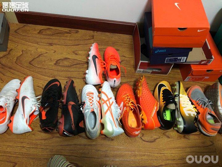 我原来这么喜欢橙色系列的,连跑鞋都是橙色的元素。