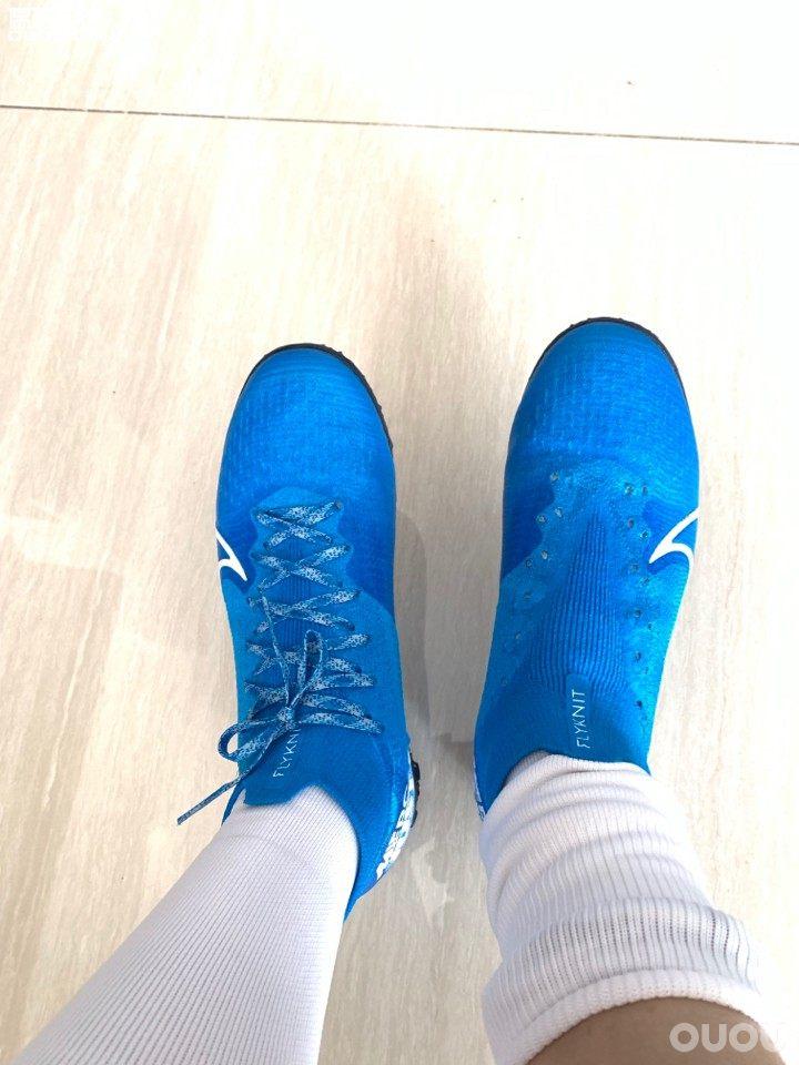 刺客顶级TF,SF4 -SF7感觉SF7长了一点。个人还是喜欢SF4那种鞋楦型、蓝色SF7感觉有点拐弯。