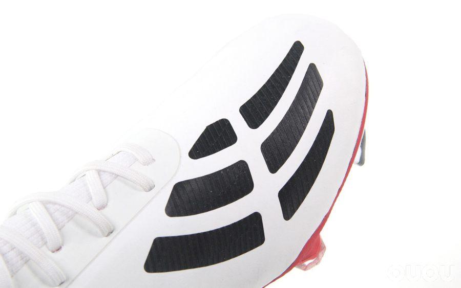 实用又好看的小白鞋 阿迪达斯Predator Mania 19.1 FG静态赏析