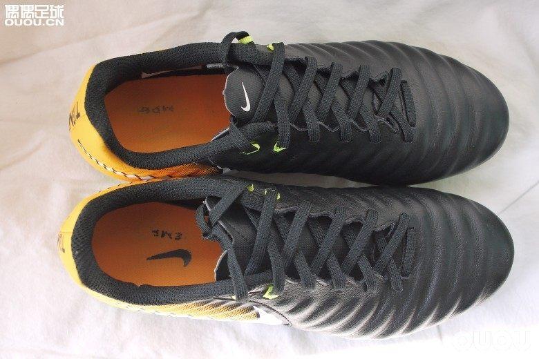 九成新Nike Tiempo Ligera IV AG-R 传奇7黑黄