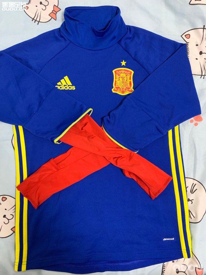 阿迪西班牙国家队球员版训练服 拉莫斯上身款 穿的很少 xs 175的兄弟可以穿 包邮 不刀