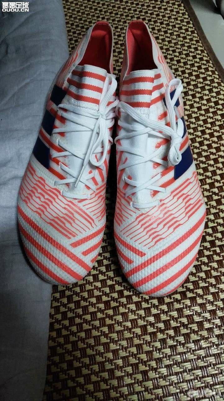 Nnemeziz全新顶级女足配色,42.5码,鞋盒+裸鞋,已挂闲鱼。